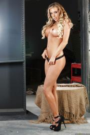Busty Blonde Pornstar Samantha Saint