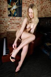 Statuesque blonde Mia Chance