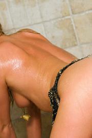 Brynn Tyler Gets Nude In The Bathroom
