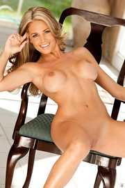 Brandi Bryant Gets Naked And Shows Her Tits And Pussy