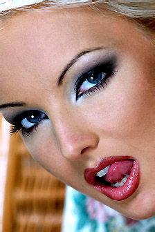 Sexy Naked Beauty Babe Veronika Symon
