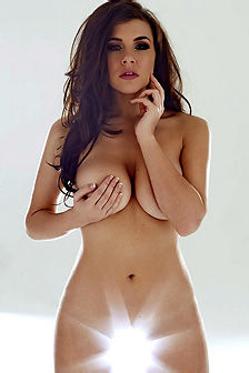Imogen Thomas Showing Her Amazing Body