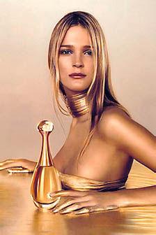 Sexy Blonde Celeb Carmen Kass