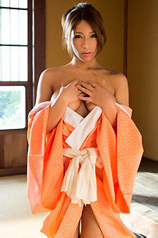 Beautiful Asian Model Nami Hoshino