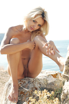 Ketti Naked In The Seaside
