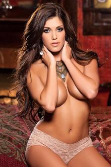 Glamour Meghan Nicole