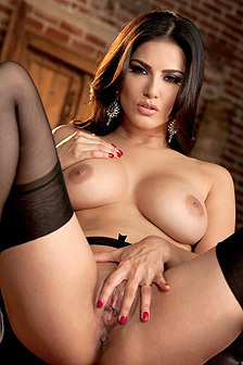 Sunny Leone Spreads Her Legs