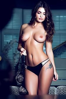 India Reynolds Posing Topless