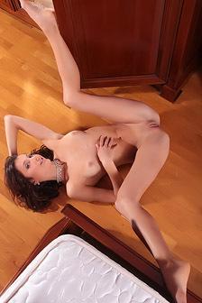 Sati Spreads Her Sexy Long Legs