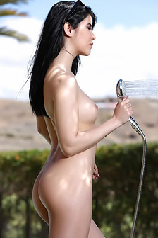 Lady Dee Getting Naked