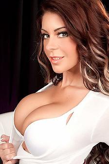 Busty Nude Brooke Ultra