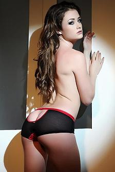 Hot Brunette Jess Impiazzi