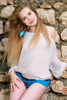 Very Nice KALLY R Gorgeous And So Pretty